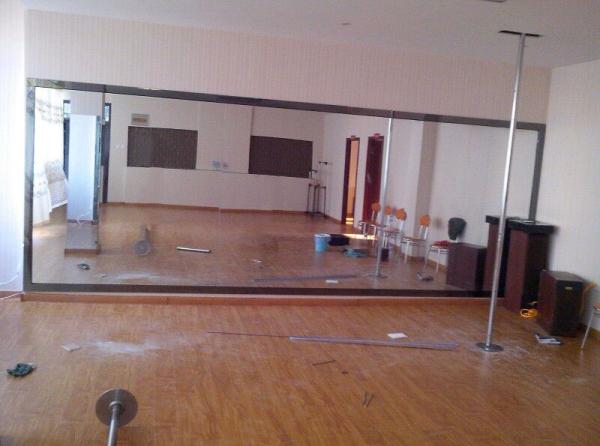 舞蹈室镜子