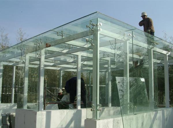 钢结构玻璃雨棚