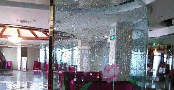 南阳玻璃隔断安装后可以有更好的空间规划!