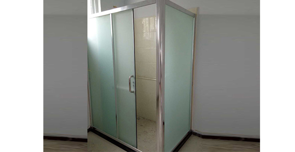 安装淋浴房的开门方式和空间结构有关!