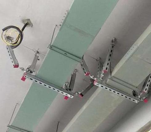 封闭式电缆桥架