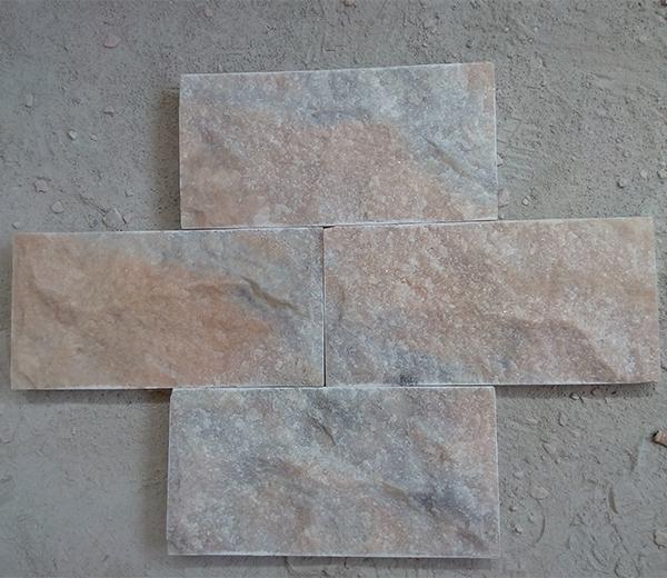 多色蘑菇石