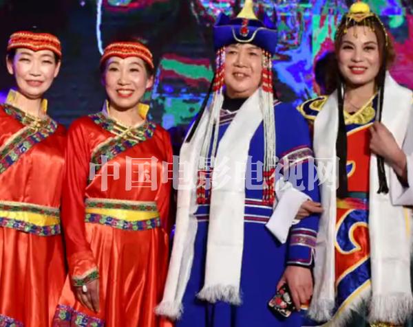 """中国电影电视网2019""""星耀华夏""""春晚《中》"""