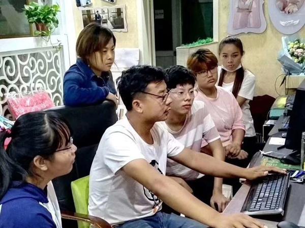 婚庆摄影摄像及视频编辑速培班开课