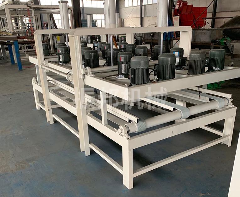 保温结构一体化免拆模板设备之打孔机