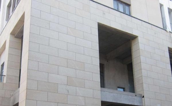 外墙涂装时,如何避免出现色差呢?