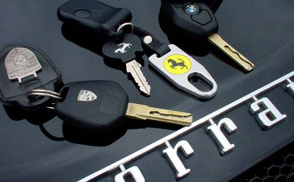 在南阳汽车配钥匙,要花多少钱是由你的车型决定的