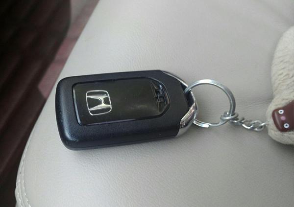 配本田汽车钥匙