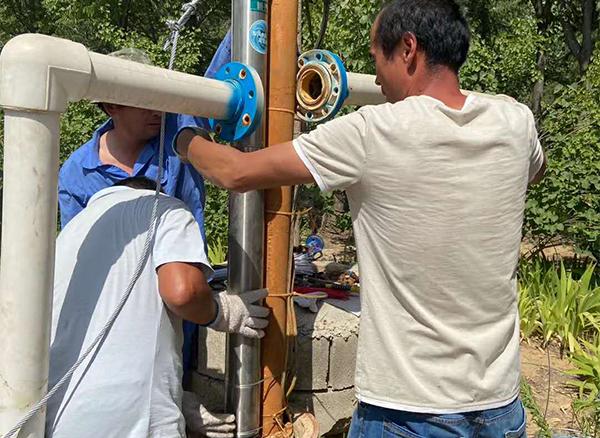 新界高速深井泵100GS22-97/5-7.5安装中