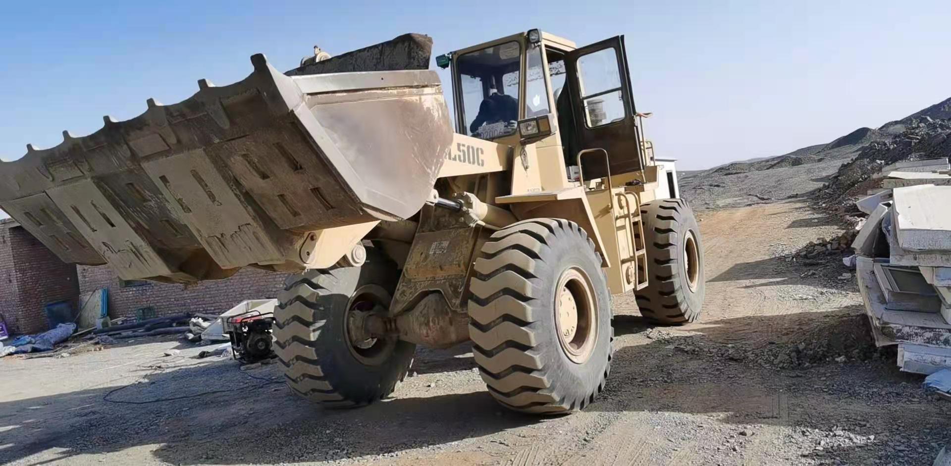 克拉玛依 乌尔禾区客户订购一台装载机称 已安装调试完毕