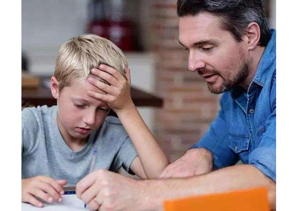 很多人的安全感不足,是源于缺乏父爱!