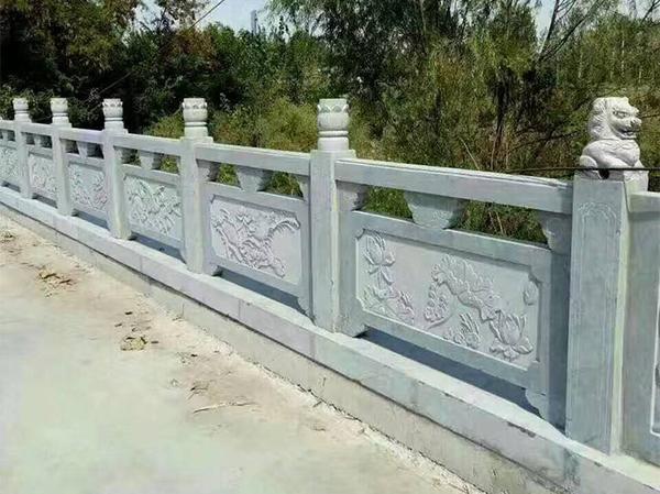 青石石雕栏杆