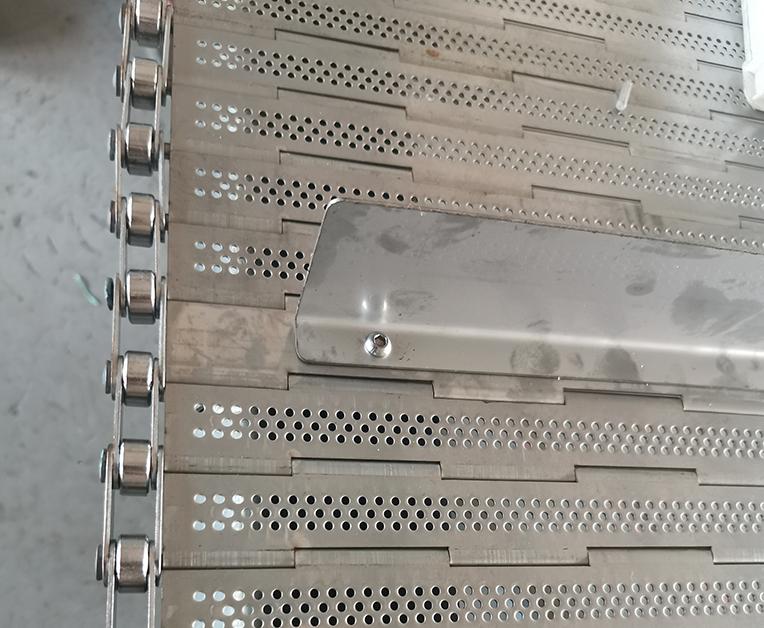 不锈钢圆孔链板