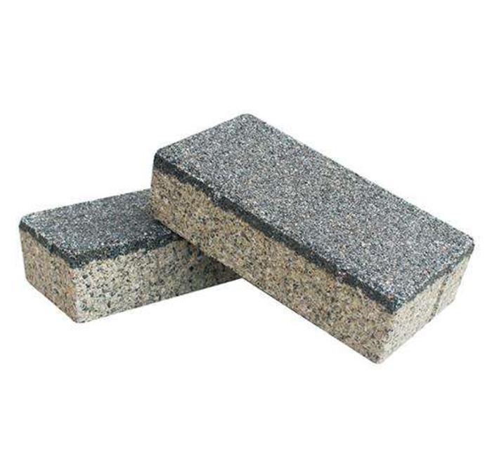 浅灰色陶瓷透水砖