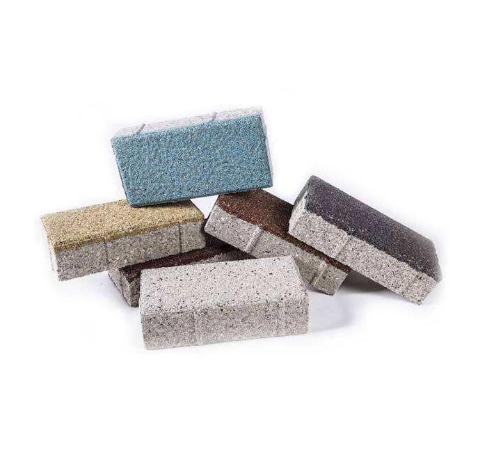 采用上海生态陶瓷透水砖铺装,避免城市内涝侵害。
