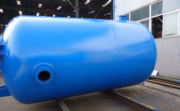 储气罐容积的选择,要点在于空压机的出气量和耗气量