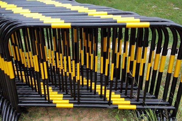 锌钢铁马护栏