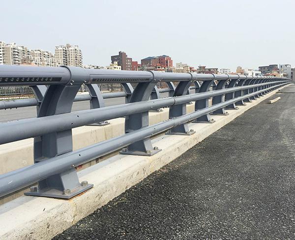不锈钢立交桥防撞护栏