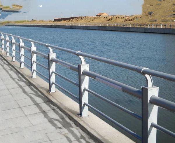 镀锌喷塑河道护栏