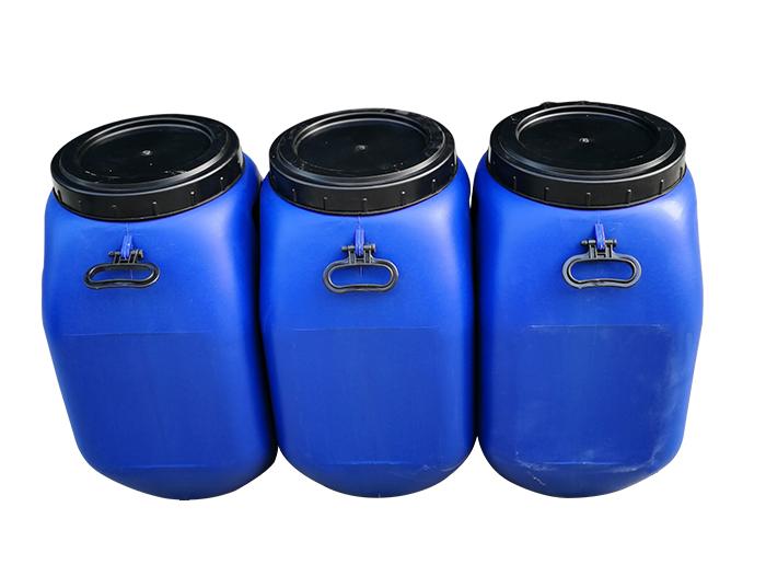 如何清除25L塑料桶的油污?