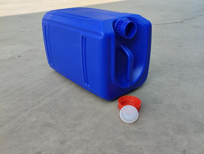 蓝色角口塑料桶