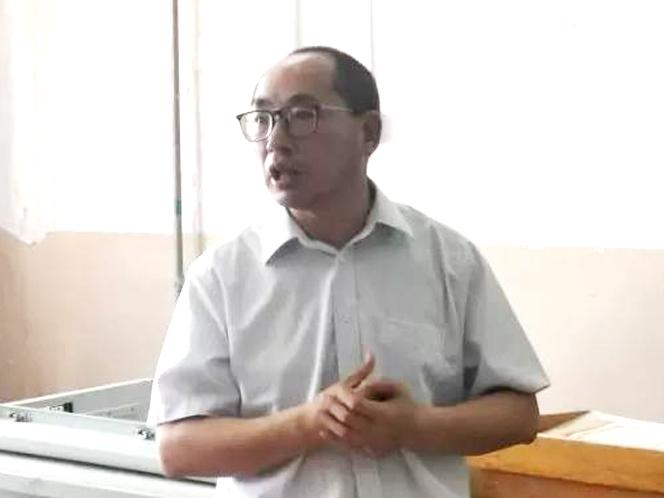 北京欧陆宝石化公司总裁、石化专业客座教授陈利秋先生到校作专题讲座