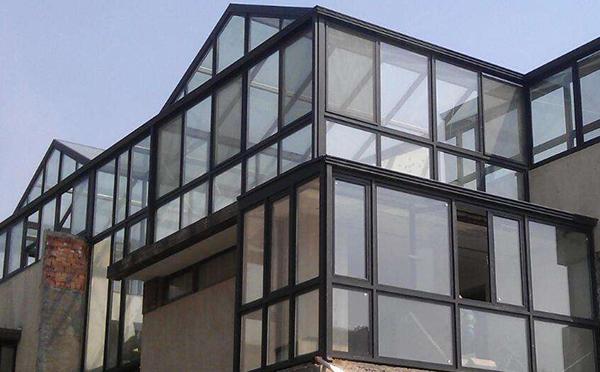 屋顶阳光房的材料有哪些类呢?厂家来分析