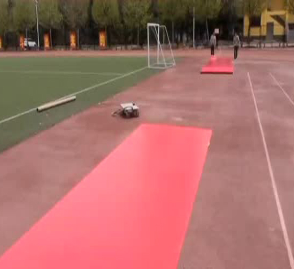 唐河友兰实验高级中学塑胶地板施工!