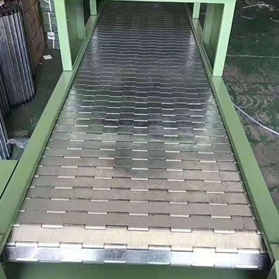 不锈钢链板输送机特点以及维护工作有哪些。