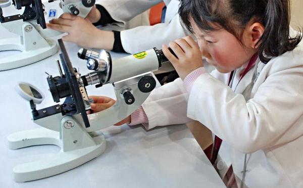 南阳幼儿科学教育公司带小朋友们做个小小科学家