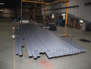 惠州道路护栏生产厂家告诉你道路护栏热浸镀锌的工艺流程