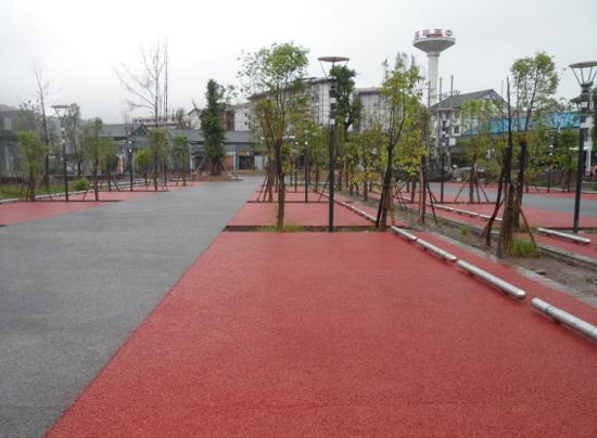 滨湖彩色透水混凝土停车场