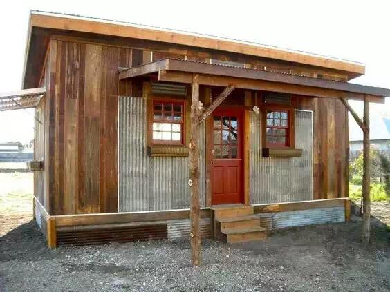 防腐木的屋面材料选择有哪些要求