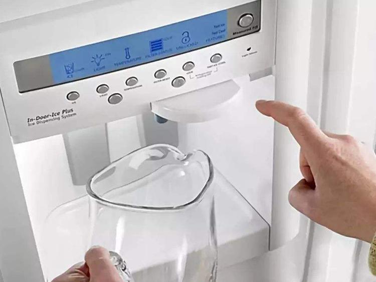 饮水机原来这么脏!到底应该如何保养?