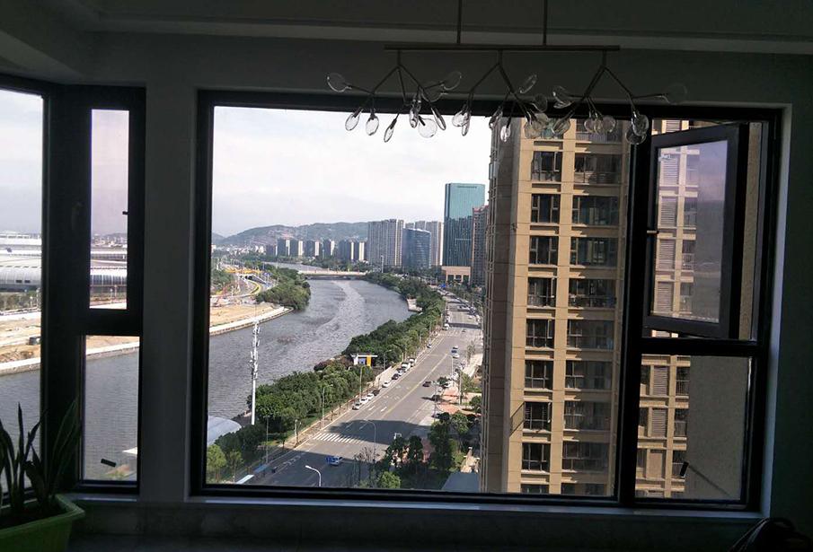 江世纪城断桥铝门窗