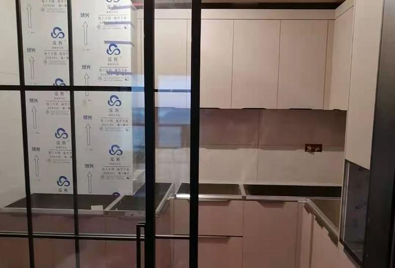 不锈钢厨房橱柜