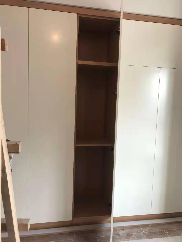 整体实木衣柜