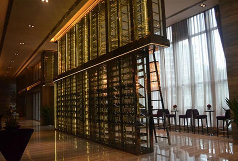 浅析福州不锈钢酒柜可以定制多高?大家了解过吗?