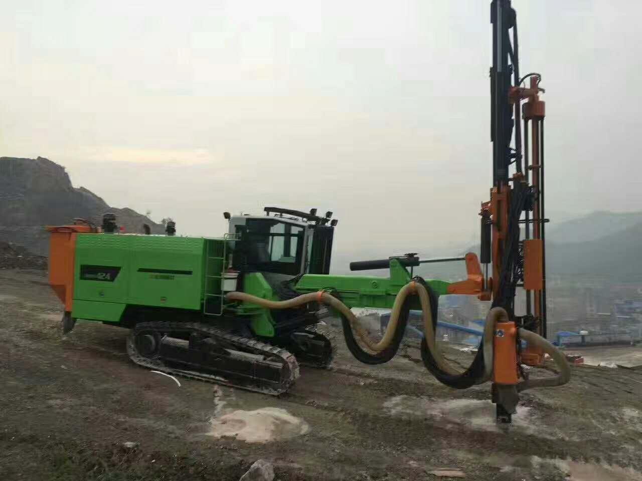 ZGYC424志高履带潜孔钻车