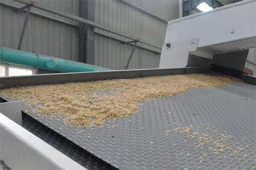 碾米机的两种进料方式