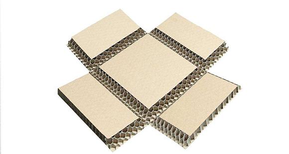 蜂窝纸板可以很好地保护内部包装材料