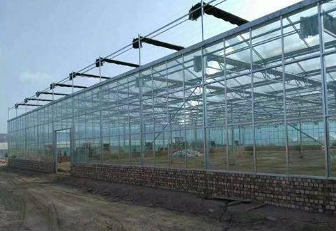 哪些因素会影响新型温室大棚的功能?