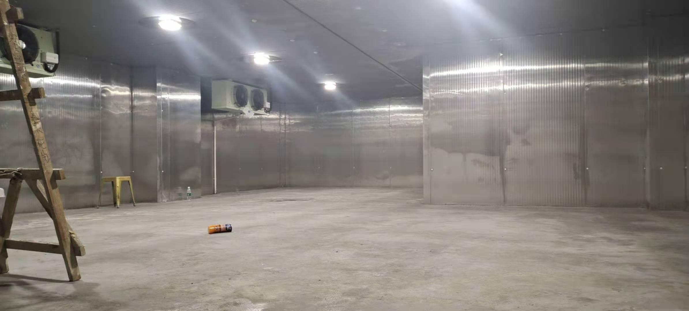 西安大雁塔大悦城湿垃圾存放冷库案例