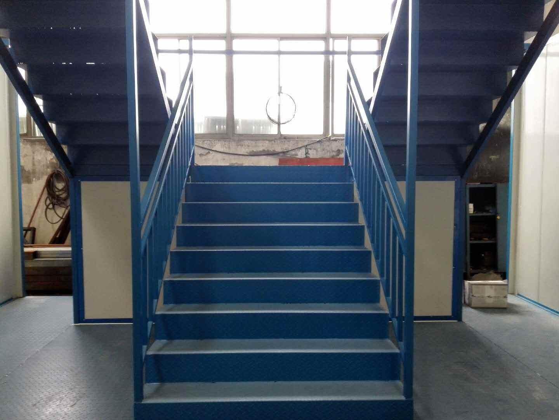 集装箱楼梯