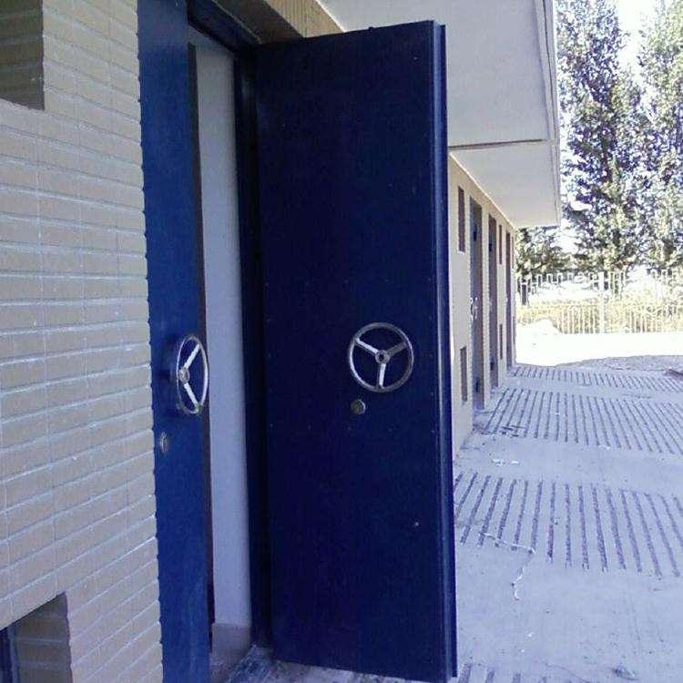 防爆门的内填充材料主要有什么?