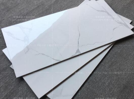 陶瓷薄板和搪瓷钢板相比,性价比如何?