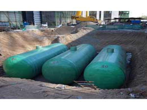 平凉玻璃钢制品厂家归纳玻璃钢水箱应用范围与防腐特点