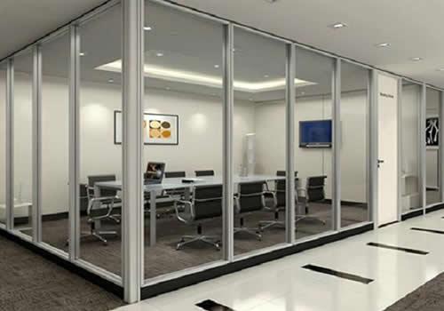 办公室装修为什么流行做玻璃隔断墙