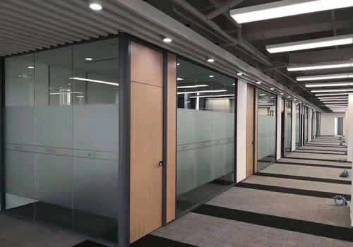 展厅玻璃隔断