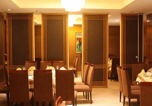 餐厅活动隔墙